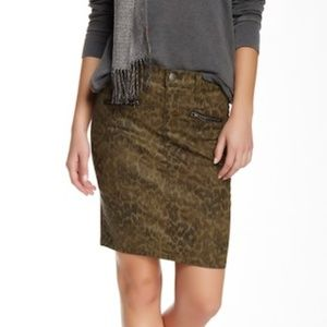 C/E Soho Zip Stiletto Pencil Skirt Army Dirty Paws